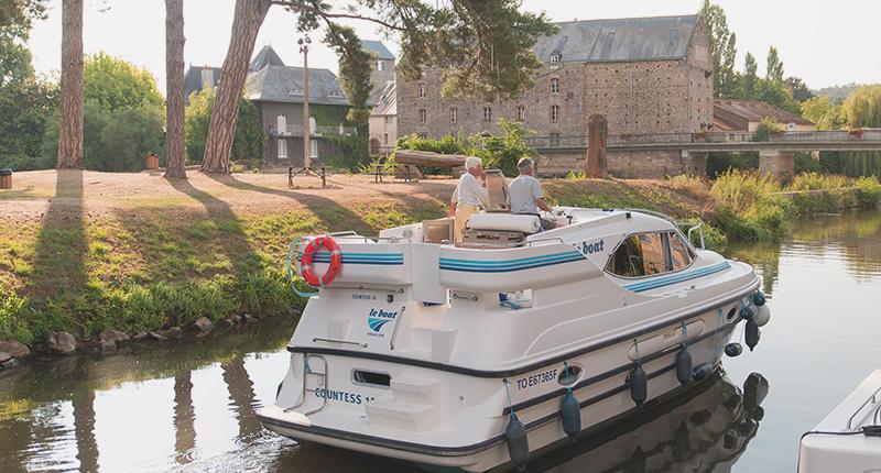 Le Boat Countess