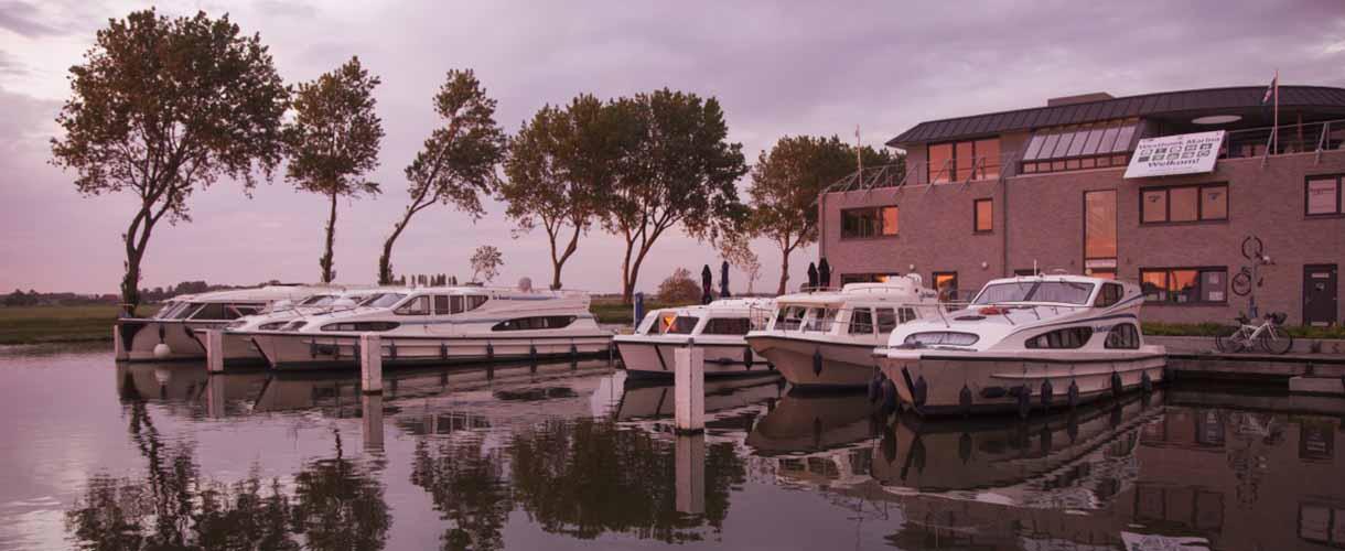 De Le Boat basis in Nieuwpoort, België