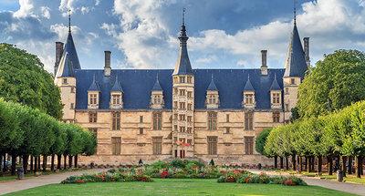 Het hertogelijk paleis in Nevers