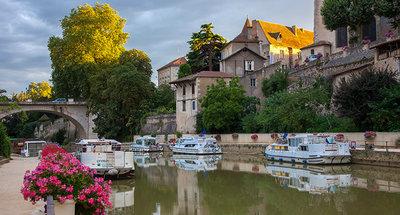 Mooi middeleeuws stadje Nerac