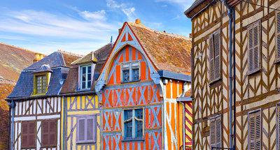 Kleurige vakwerkhuizen in Auxerre