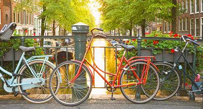 Ontdek de historische straten van Amsterdam met de fiets