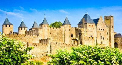 Middeleeuwse Carcassonne bij het Canal du Midi