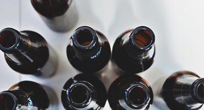 Lege bierflessen
