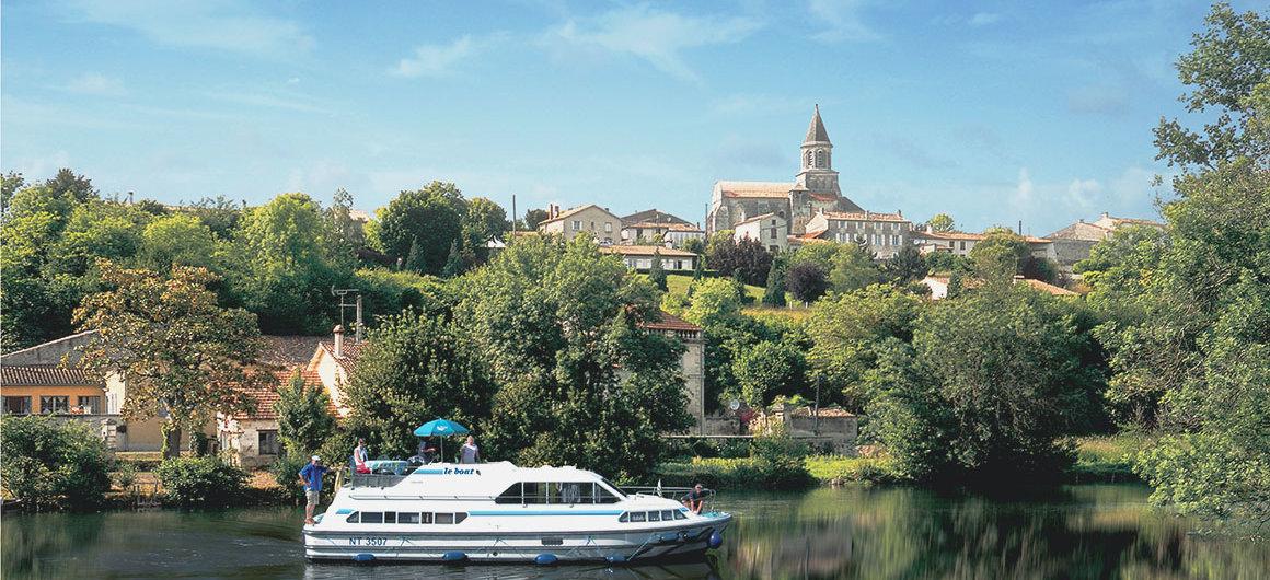 Le Boat voor St Simeux
