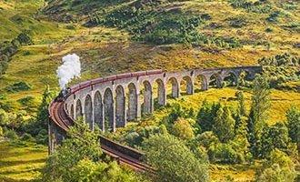 Treinviaduct Glenfinnan en de Jacobite stoomtrein