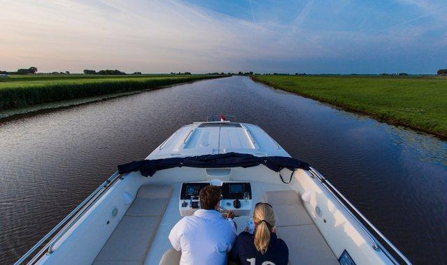 Zin in een boottochtje Friesland?